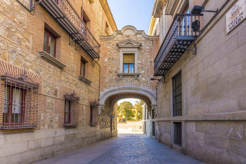 Smal gata i Madrid det gamla centret arkivfoto