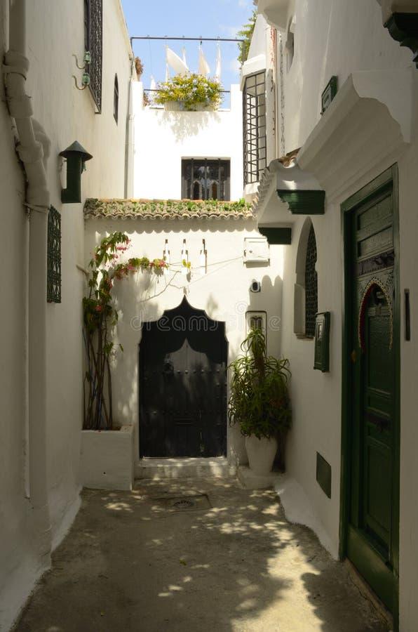 Smal gata i Tangier arkivbild