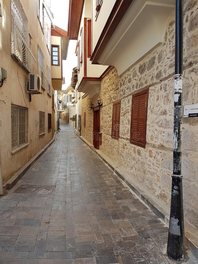 Smala gator av Antalya arkivbild