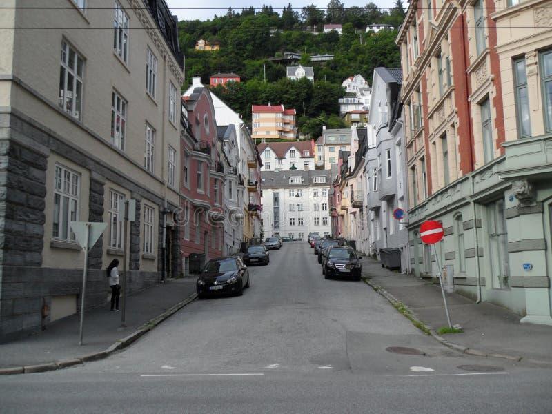Smala gator av Bergen Norway arkivbild