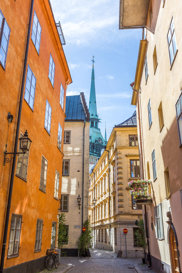 Smala gator av Gamla Stan Stockholm arkivbild
