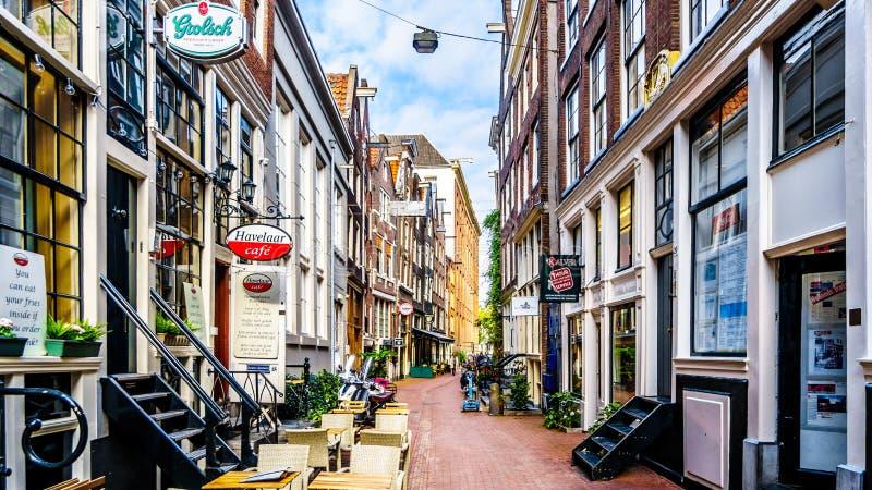 Smala gator i Amsterdam i Nederländerna fotografering för bildbyråer