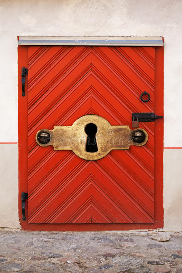 Small red wooden door with large keyhole stock images - Old fashioned interior door locks ...