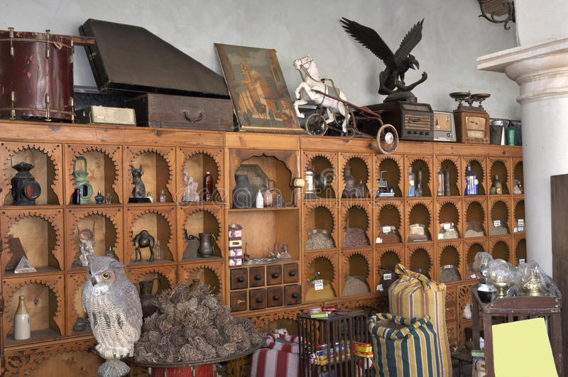 Download Small Shop With Ancient Thing Stock Photo - Image: 13027118