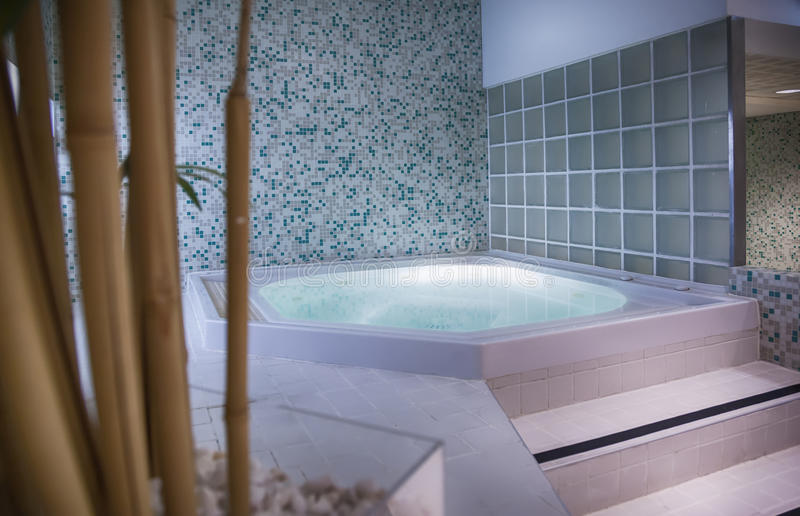 Small spa pool royalty-vrije stock afbeeldingen
