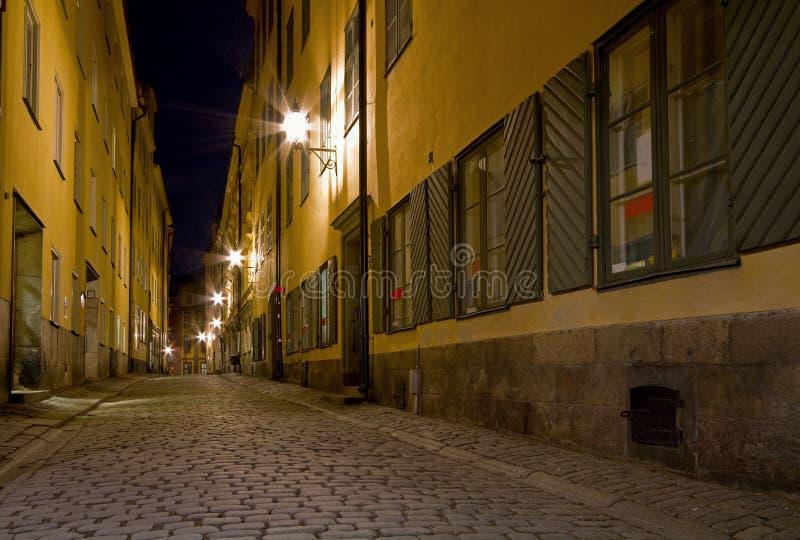 Lege steeg bij nacht. royalty-vrije stock fotografie