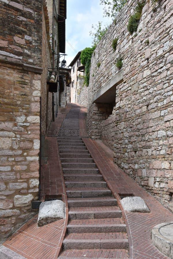 Smalle steeg in Assisi, Umbri? royalty-vrije stock afbeeldingen