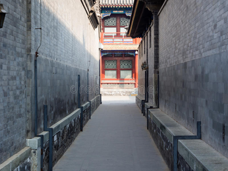 Smalle steeg in het paleis van PrinsGong stock foto
