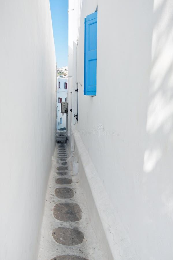 Smalle stegen in Mykonos Chora, Mykonos, Cycladen, Griekenland stock foto
