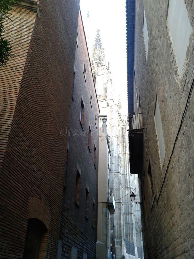 Smalle straat in de oude stad stock afbeelding