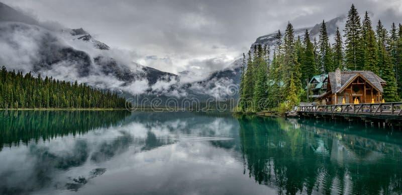 Smaragd sjö Yoho National Park British Columbia Kanada arkivbild