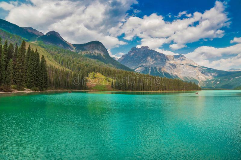Smaragdsee, kanadische Rockies stockfotografie
