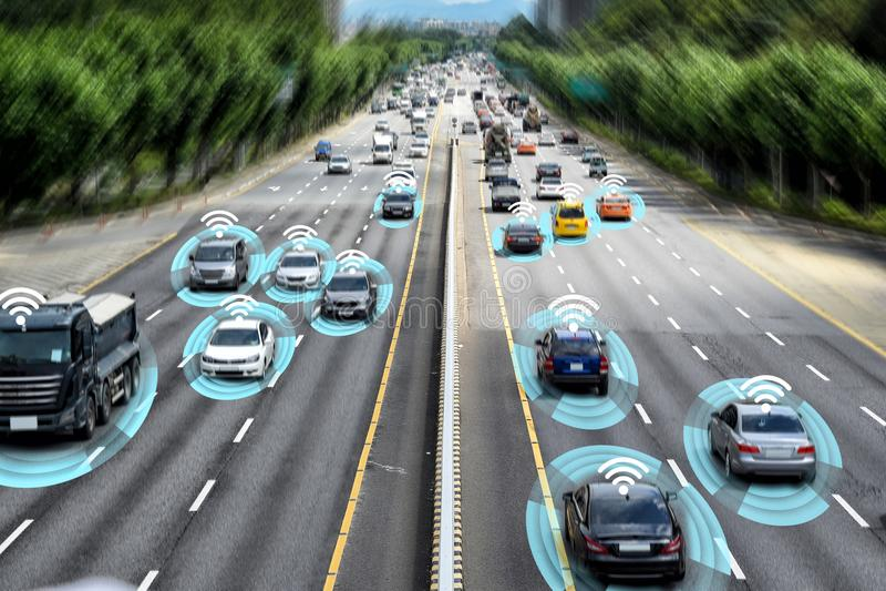 Smart bil, autonomt själv-körande begrepp royaltyfri foto