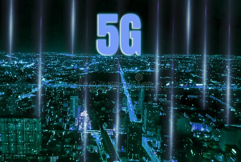 Smart City Digital 4 0 och snabbt och exakt snabbt system 5G med nätverket som täcker alla områden, modern servicekommunikation royaltyfri bild