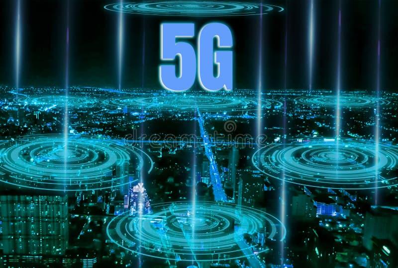 Smart City Digitale 4 0 en snel en nauwkeurig hoge snelheids5g systeem met netwerk die alle gebieden, moderne steunmededeling beh royalty-vrije illustratie