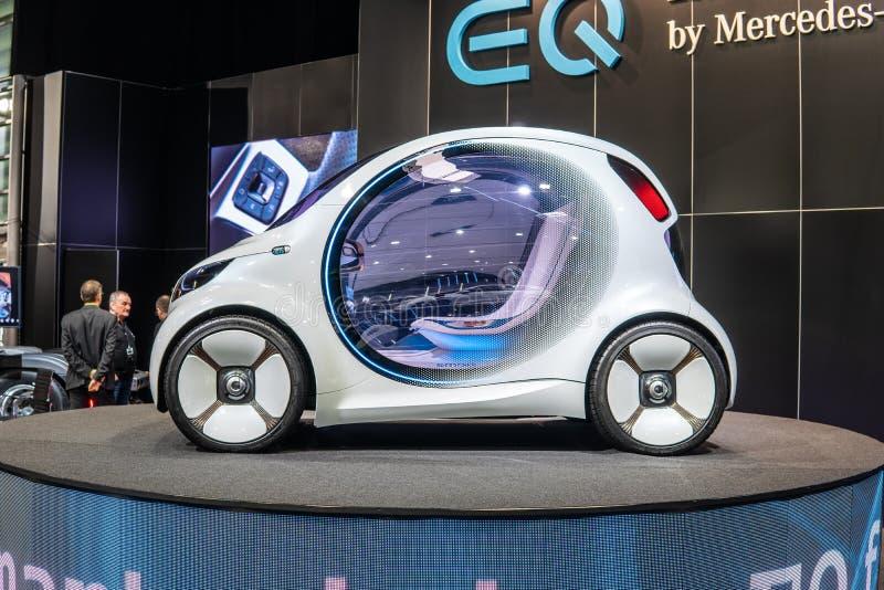 Smart fortwoMercedes-Benz för vision EQ begrepp, prototyp av den framtida bilen som skapas av Mercedes Benz fotografering för bildbyråer