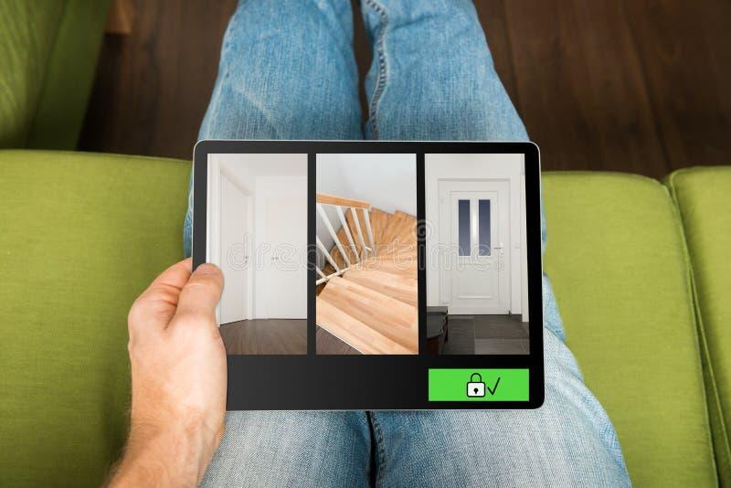 Smart system för hem- säkerhet arkivbild