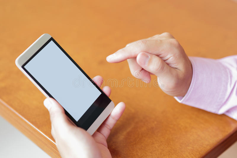Smart telefon med kopieringsutrymme royaltyfri fotografi