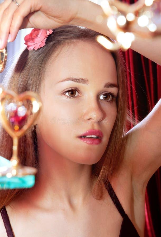 Smartens bonitos da menina acima fotografia de stock