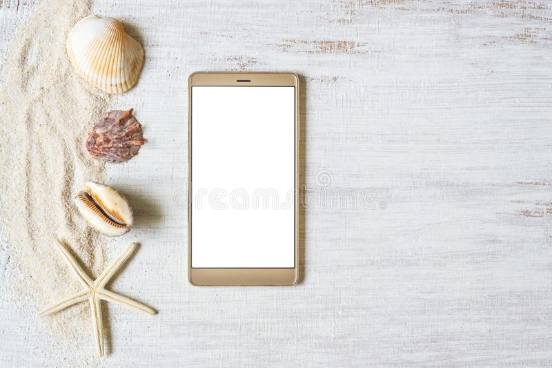 Smartphone åtlöje upp mallen för sommarferie Bakgrund f?r sommarsemester ovanf?r sikt L?genheten l?gger med fritt utrymme arkivbilder