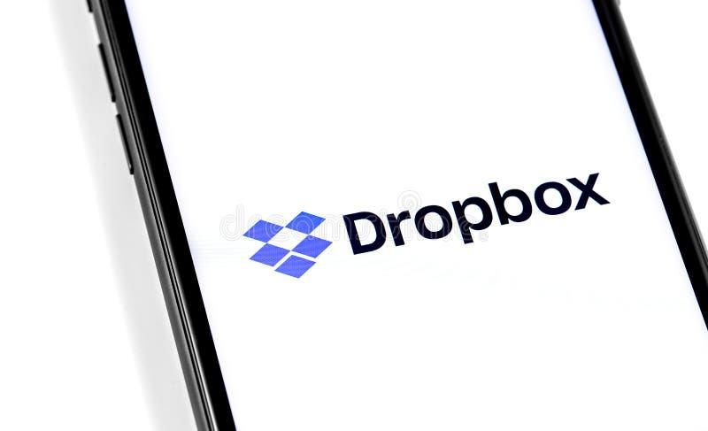 Smartphone avec logo Dropbox images stock