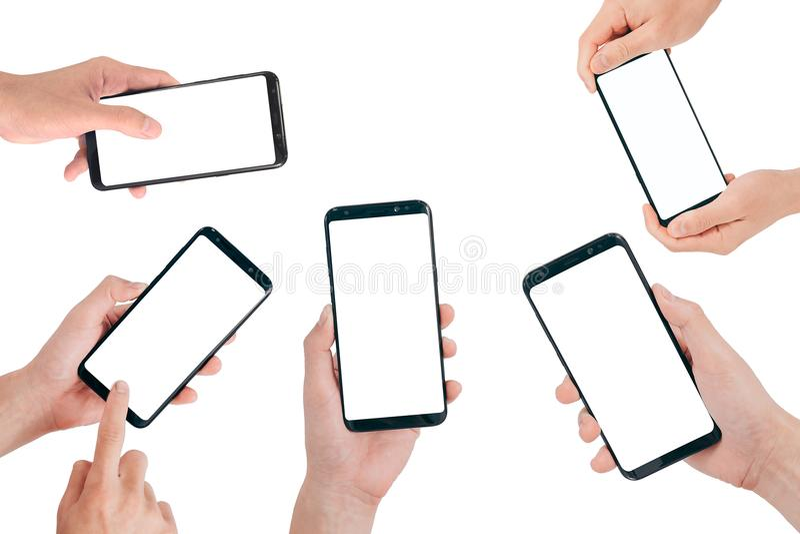 Smartphone bespot omhoog, overhandigt holding mobiele telefoon met het lege die scherm op witte achtergrond met het knippen van w royalty-vrije stock fotografie