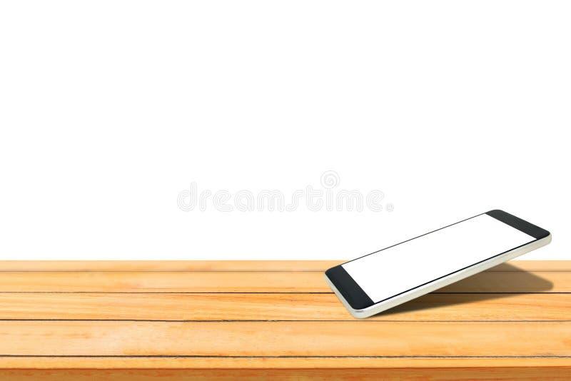 Smartphone con lo schermo bianco in bianco messo sulla tavola di legno isolata su fondo bianco illustrazione di stock
