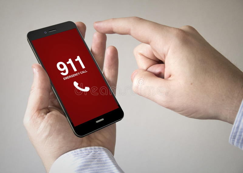 Smartphone d'écran tactile avec l'appel d'urgence sur l'écran photographie stock