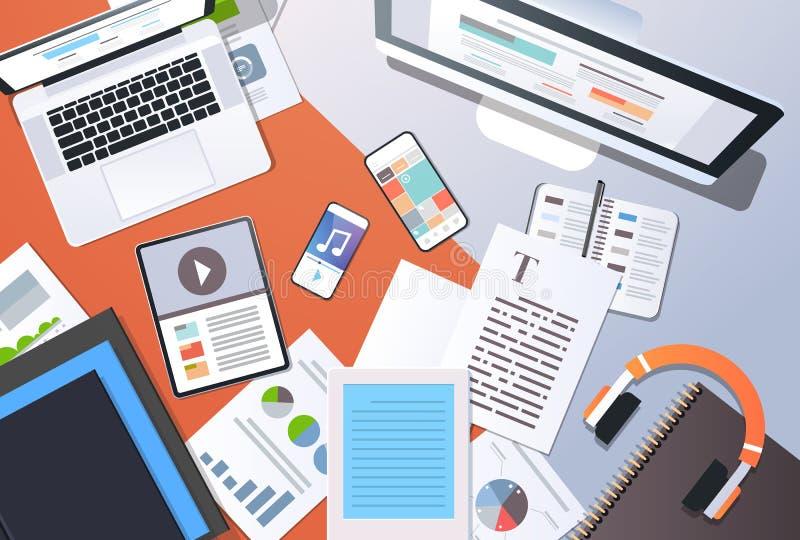 Smartphone d'ordinateur portable de comprimé d'ordinateur de bureau de vue d'angle supérieur de concept de technologie de l'infor illustration stock