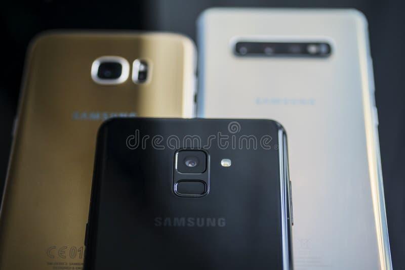Smartphone del Samsung Galaxy de las generaciones de la variedad imagen de archivo