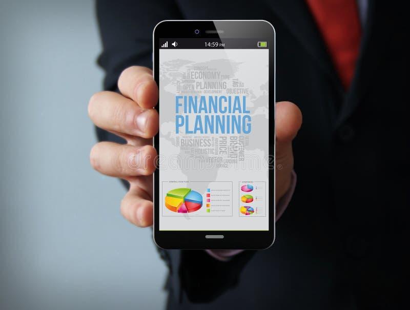 Smartphone do homem de negócios do planeamento financeiro fotos de stock