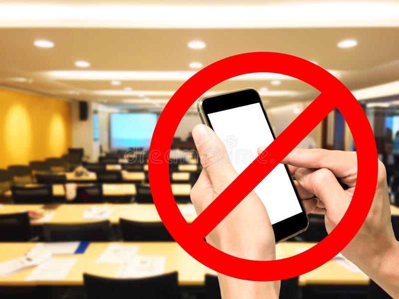 Smartphone förbjudas i konferensmötesrum arkivfoto