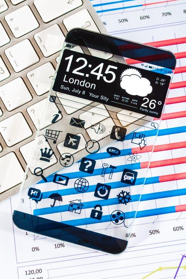 Smartphone mit einer transparenten Anzeige. lizenzfreies stockbild