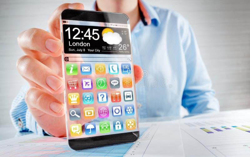 Smartphone mit transparentem Schirm in den menschlichen Händen lizenzfreie stockfotografie
