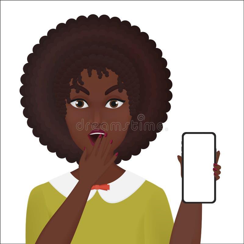 Smartphone nuovo di tenuta femminile sorpreso sveglio del giovane afroamericano isolato royalty illustrazione gratis