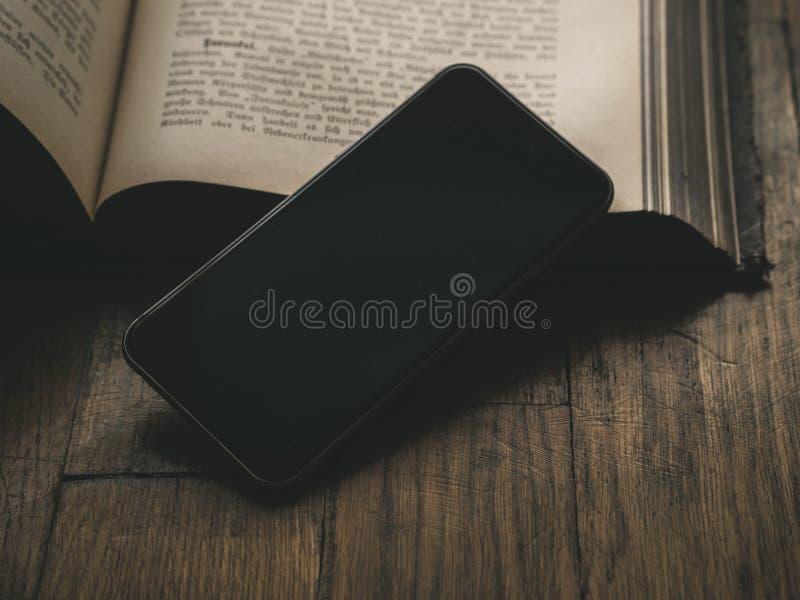 Smartphone Smartphone noir classique image stock