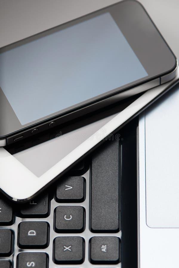Smartphone, tablet en laptop royalty-vrije stock afbeeldingen