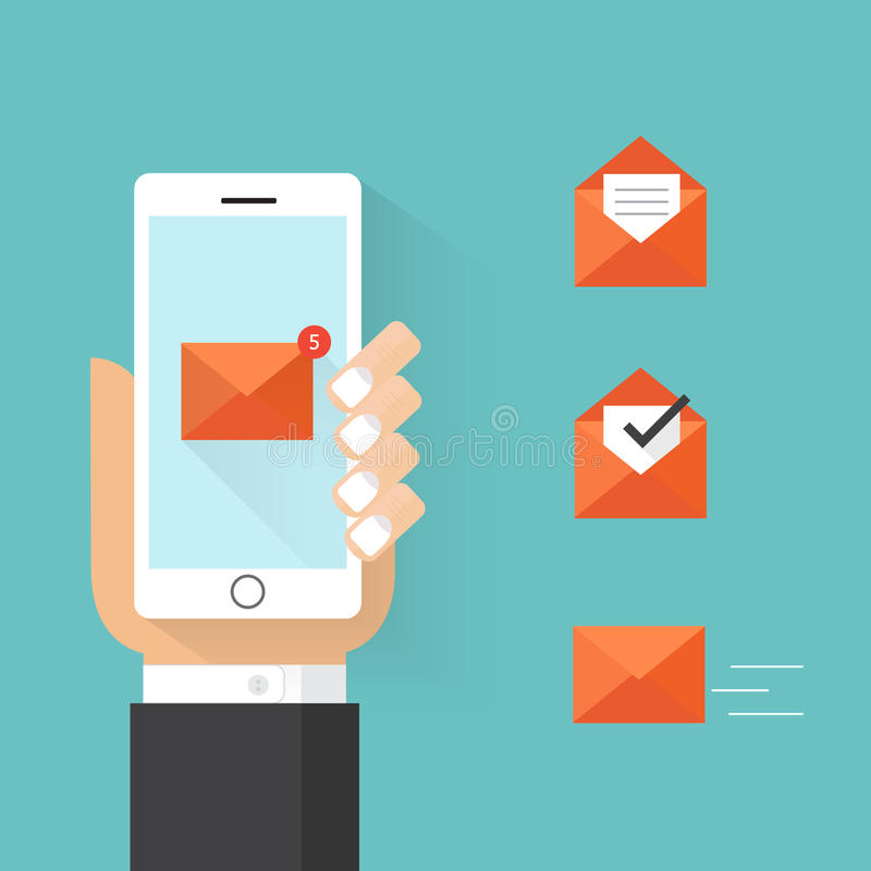 Smartphone van de handholding met e-mailpictogram Vlak stijlontwerp stock foto's