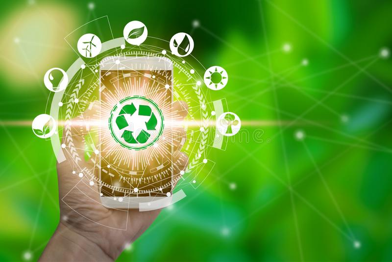 Smartphone van het handgebruik met milieupictogrammen over de Netwerkverbinding stock illustratie