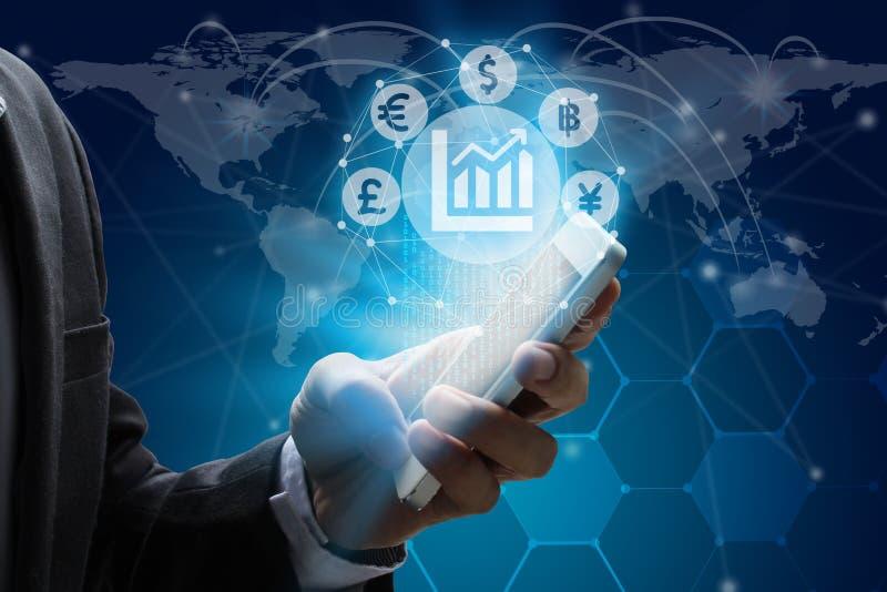 Smartphone van het zakenmangebruik met het symbool van het Muntenteken van Fintec stock foto