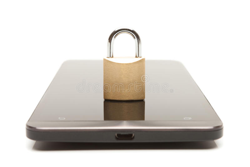 Smartphone z małym kędziorkiem nad nim Telefon komórkowy ochrona i dane ochrony pojęcie zdjęcia royalty free