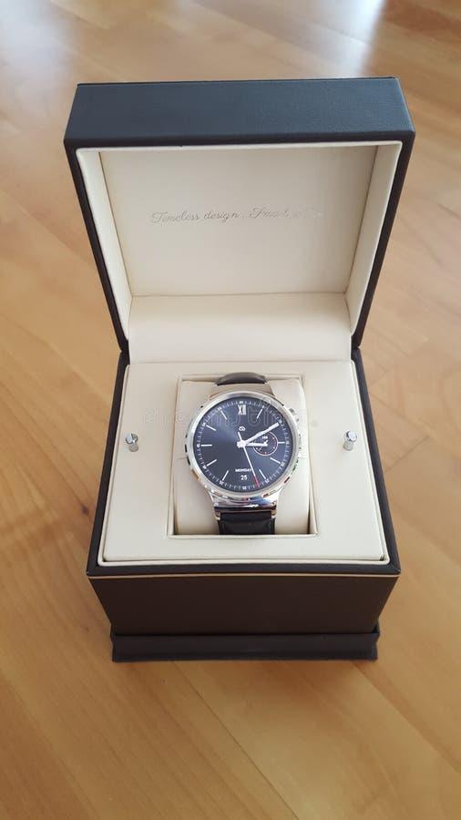 Smartwatch de la caja de reloj de Huawei nuevo foto de archivo