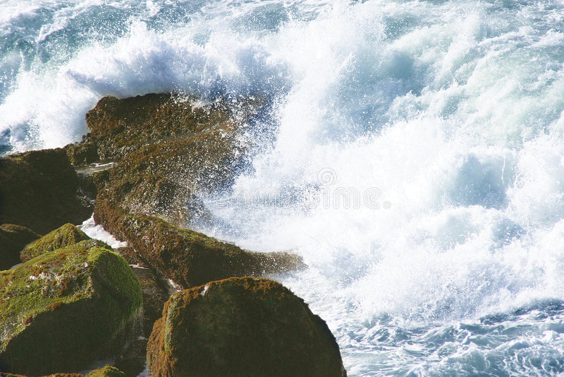 Smashing Waters Royalty Free Stock Photos