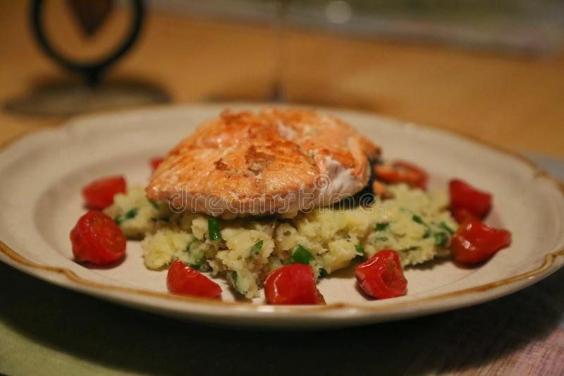 Smaskiga Salmon Recipe royaltyfria bilder