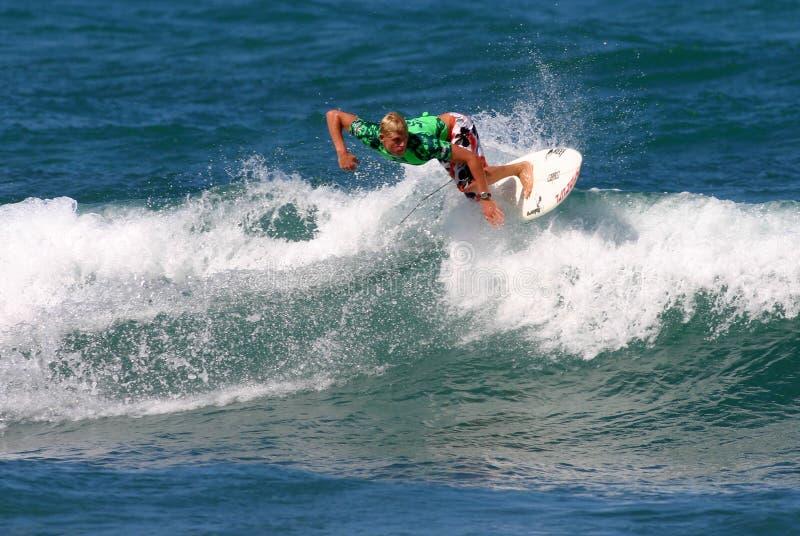 Smazzamento del Mick del surfista del campione del mondo immagine stock libera da diritti
