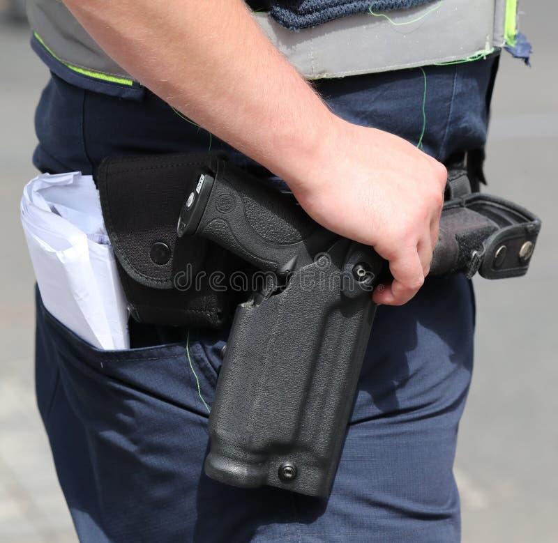 Smeden & halvautomatisk pistol för för den Wesson M&P militären och polisen royaltyfri bild