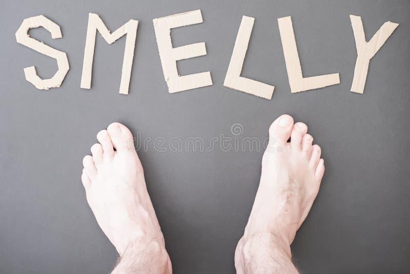 Smelly Füße lizenzfreies stockbild