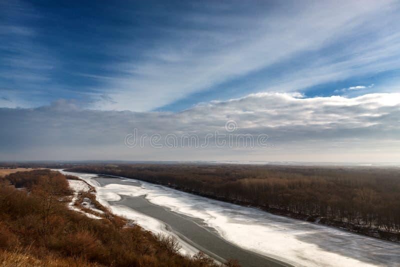 Smeltend ijs in de lente op Don River royalty-vrije stock afbeeldingen