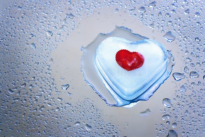 Smeltend ijzig hart royalty-vrije stock afbeeldingen