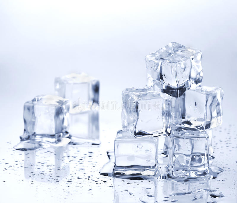 Smeltende ijsblokjes royalty-vrije stock foto